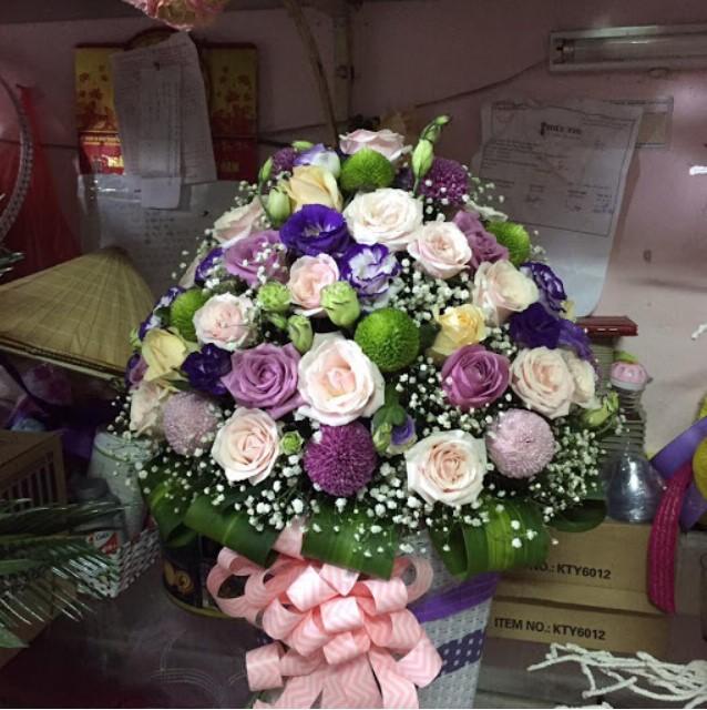 Một bó hoa tặng cho những người phụ nữ thân thương của mình nhân ngày 20/10 thật ý nghĩa