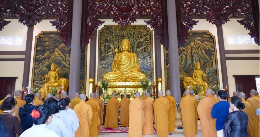Một buổi lễ tại Thiền viện Trúc Lâm Long Đức