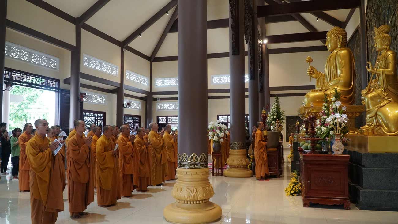 Tổ chức các nghi lễ tâm linh cầu siêu, cầu an