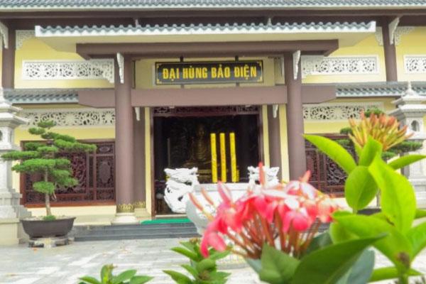 Ý nghĩa của việc thắp nhang trong văn hóa người Việt