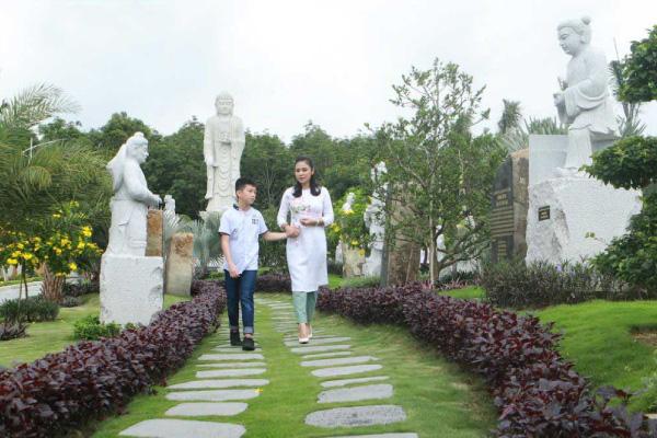 Diễn viên Việt Trinh chia sẻ về người mẹ đã khuất khiến khán giả nghẹn ngào