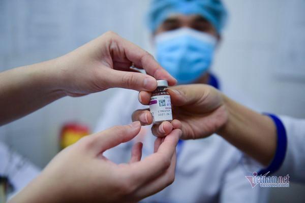 Tin vui từ Bộ Tài chính, lo đủ tiền mua vắc xin cho toàn dân